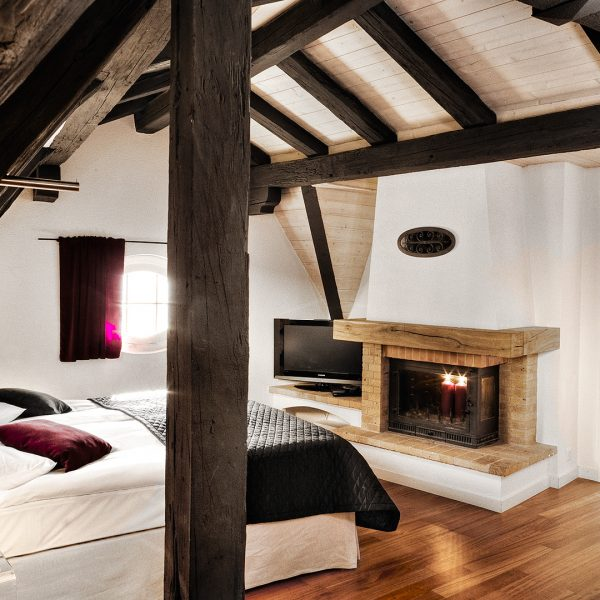 "Stylish ""XL"" Luxury penthouse Suites at Tralala Hotel Montreux with wood floor, fireplace, twin bed"